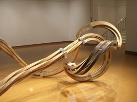 Richard Deacon: Dead Leg installation photography