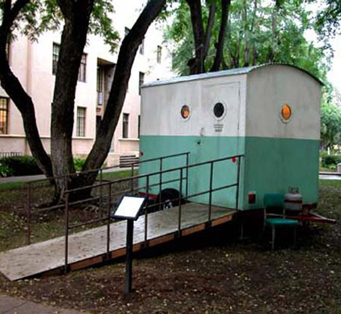 Michael C. McMillen: Dr. Crump's Mobile Field Lab