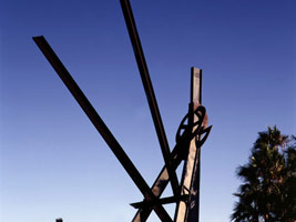 Mark di Suvero: Declaration, 1999 - 2001